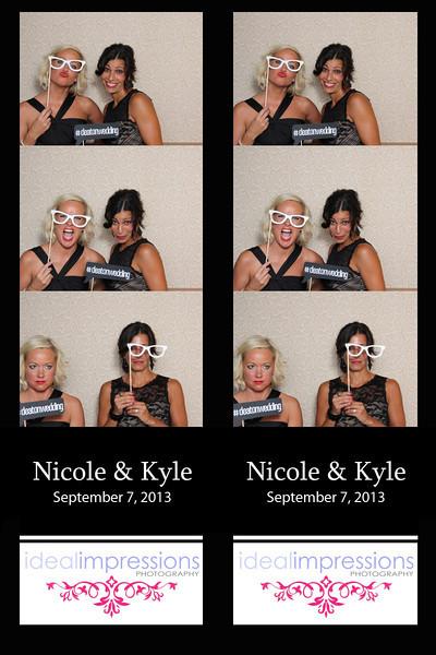 nicole + Kyle photobooth