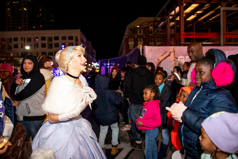 AtlanticStationTreeLighting2019_3801.jpg
