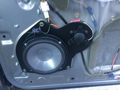 2001 Toyota Sequoia SR5 Front Door Speaker Installation - USA