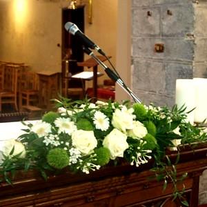 21330 Altar bouquet