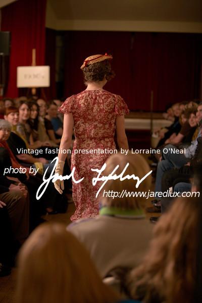 vintage_fashion_show_09_f0087176.jpg