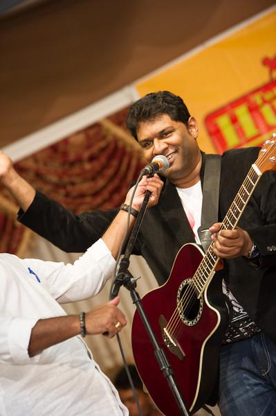 Devan at Toronto-Uthayan Fundraise-2013