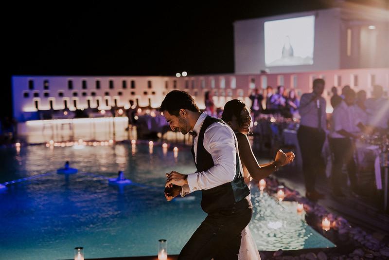 Tu-Nguyen-Destination-Wedding-Photographer-Santorini-Rocabella-Hotel-Euna-Ehsan-839.jpg