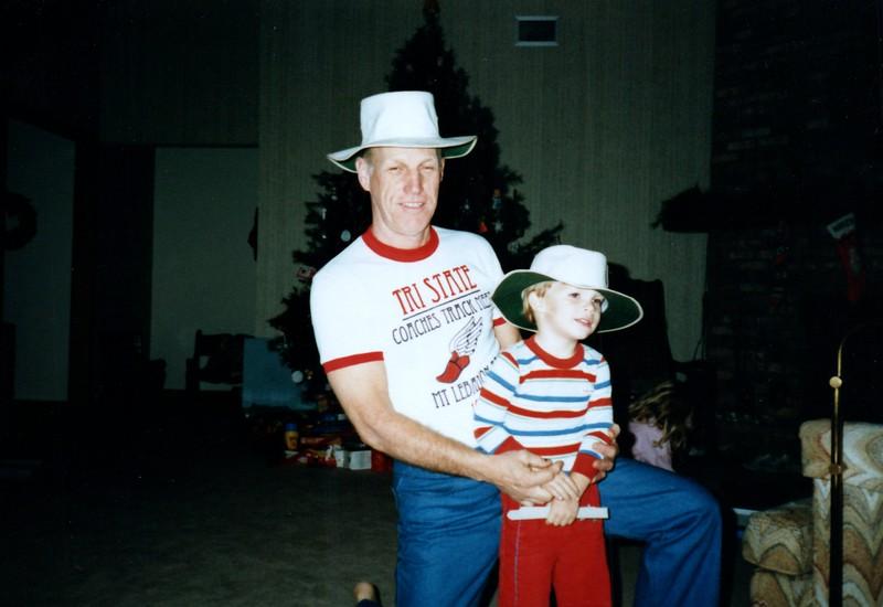 1986_December_Holiday_Visitors_0006_a.jpg