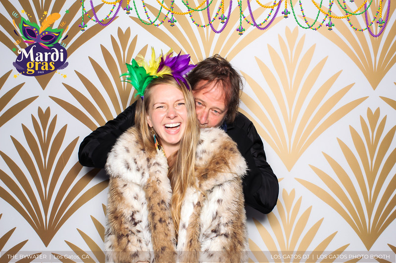 LOS GATOS DJ - The Bywater's Mardi Gras 2021 Photo Booth Photos (beads overlay) (8 of 29).jpg