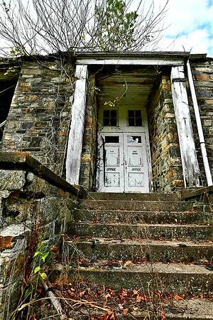 Bakersville Abandoned Schoolhouse