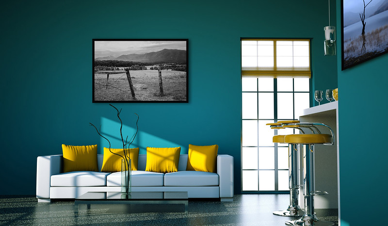 Wohndesign - Sofa wei脽 mit gelben Kissen