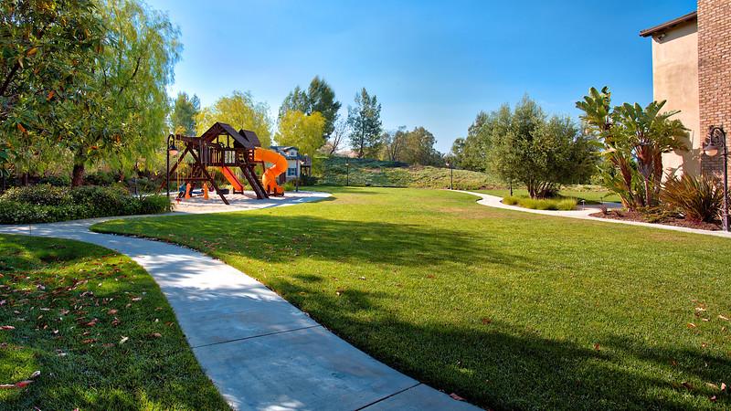 Castelli-Circle-Chino-Hills_38.jpg