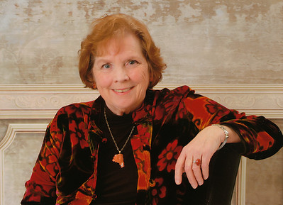 Judy Spangenberg Currier    1940-2015