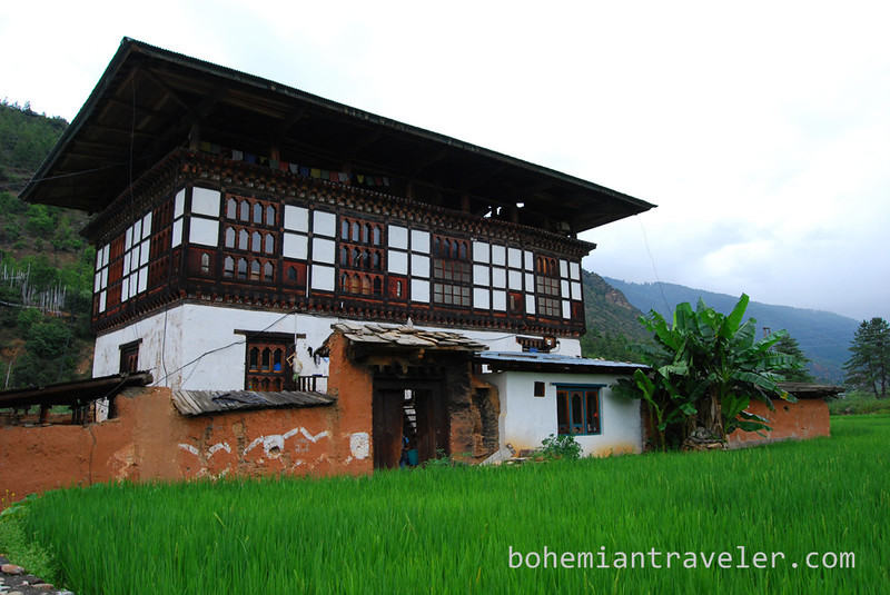 Bhutanese country house.jpg