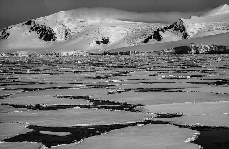 below the antarctic circle 27-Edit.JPG