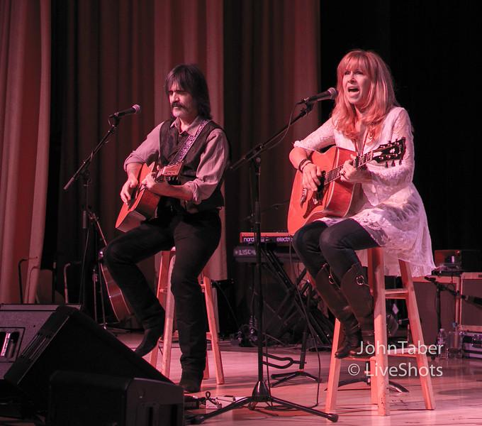 Emmylou & Rodney l w/ Larry Campbell & Theressa Williams