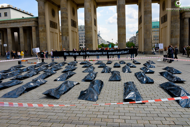 Brandenburg Gates Protest.jpg