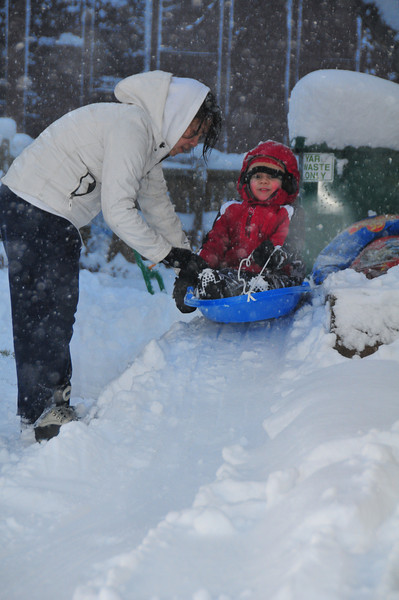 2012-12-09 First Snow of the Year - Sleeding 017.JPG