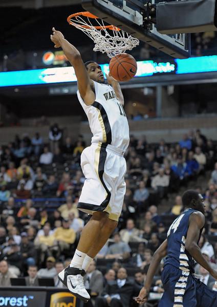 CJ Harris dunk.jpg