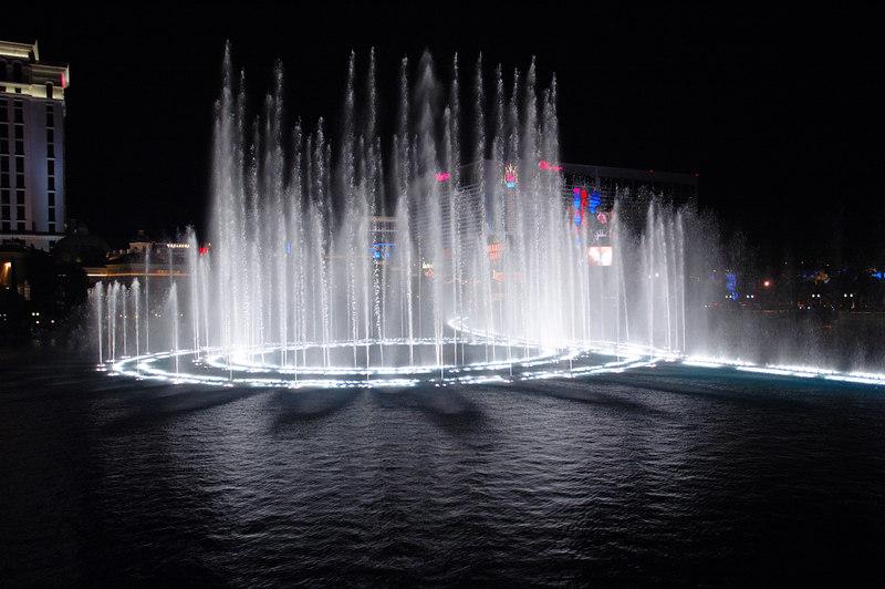 Fountain29.JPG