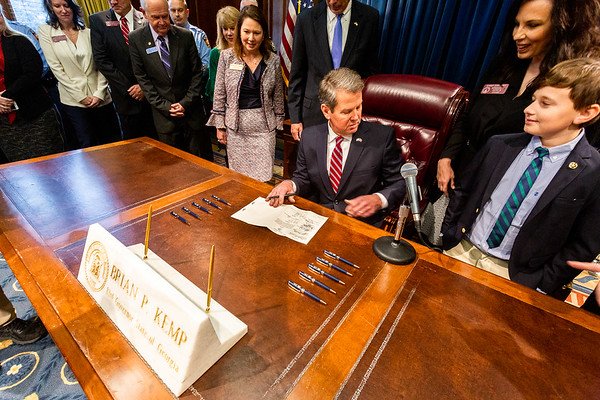 02.15.19_Bus Bill Signing