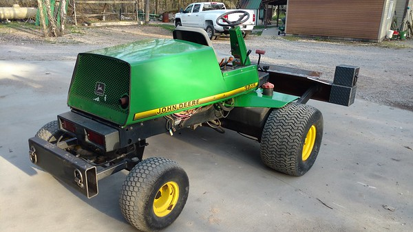 JOHNDEER LOG SPLITTER