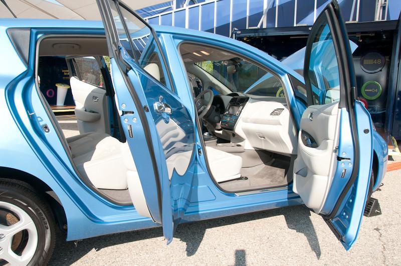 NissanLeaf-032.jpg