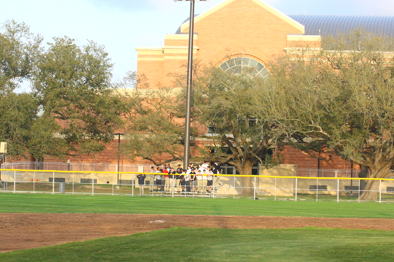 \\hcadmin\d$\Faculty\Home\slyons\HC Photo Folders\HC Baseball vs SCC_1st Home Game_2_12\6W2Y9027.JPG