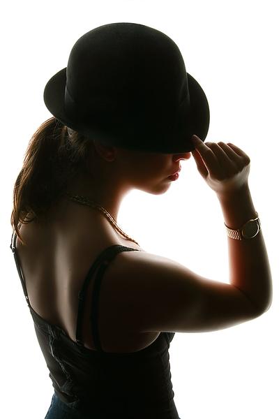 Model_HatSilhouette.png