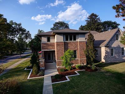 299 W Claremont Dr, Elmhurst, IL