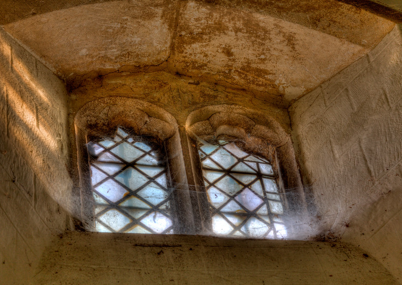 Spaldwick Church window_4982229504_o.jpg