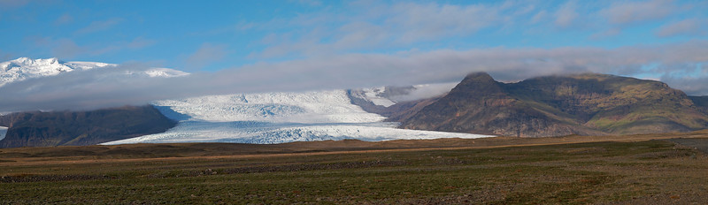 En route to Jukuslarlon the mighty Vatnajokull glacier spills out at many locations. Frozen ice meets land. Truly amazing to see and one can't help wondering why it just doesn't all melt! Really difficult to get a sense of scale too. The structure of the ice at times is stunning.