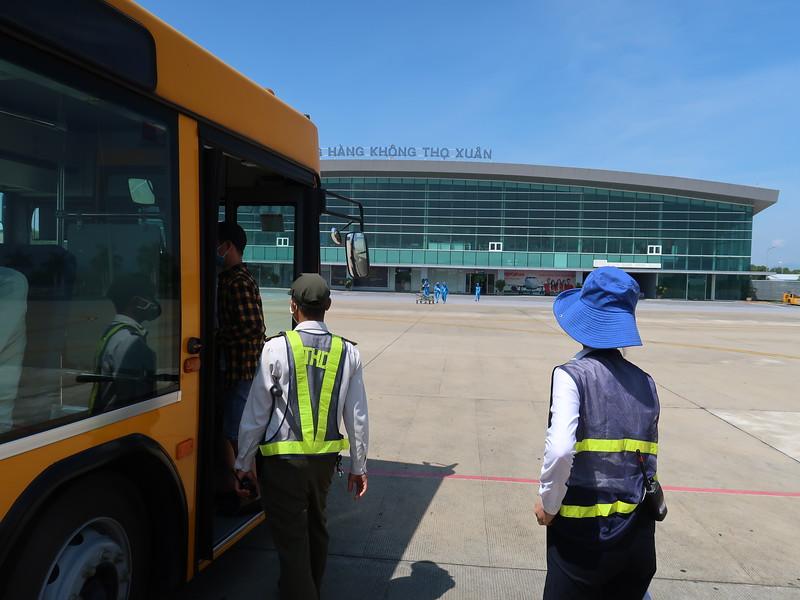 IMG_1615-bus-to-terminal.JPG