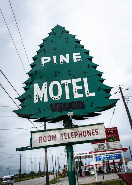 Pine Motel