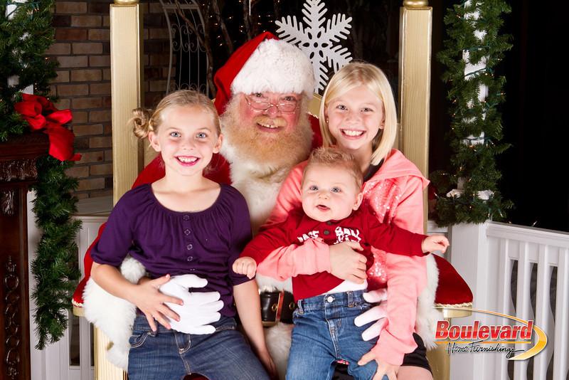 Santa Dec 8-196.jpg