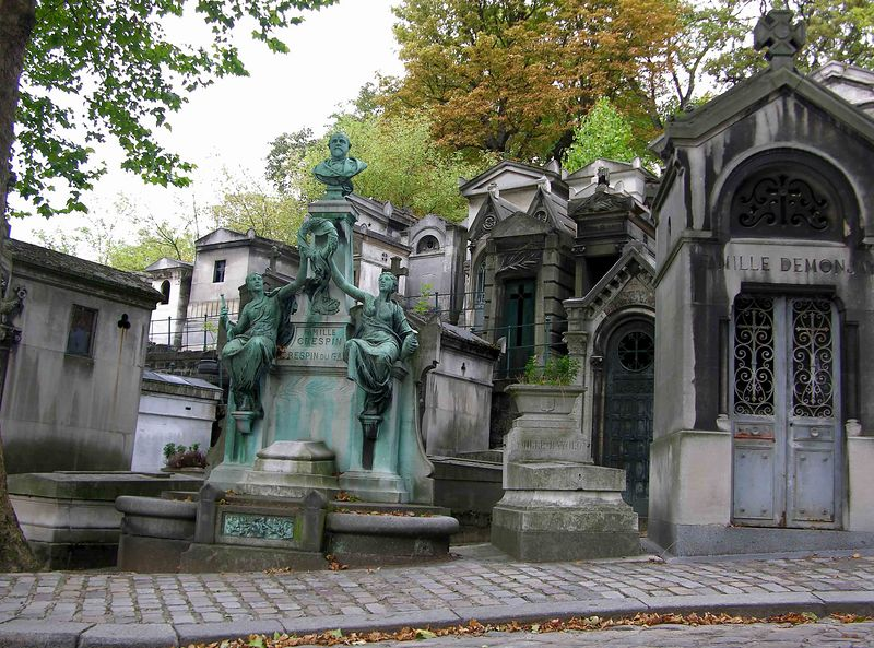 Le Pere Lachaise Cemetery