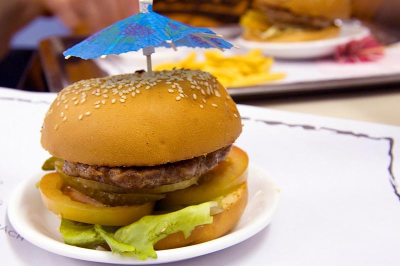 texas-hamburger-in-nha-trang_3069562988_o.jpg