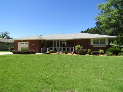 210 SW 9th St., Plainville, KS