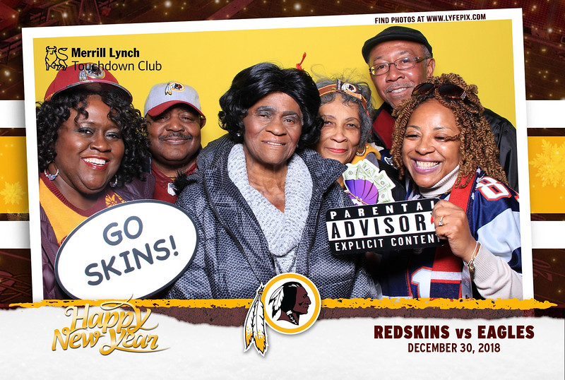 washington-redskins-philadelphia-eagles-touchdown-fedex-photo-booth-20181230-144717.jpg