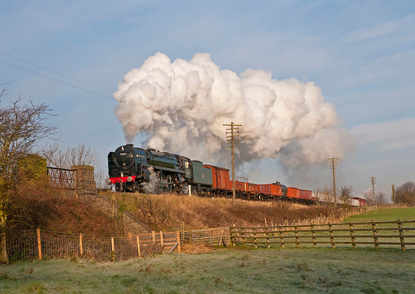 70013 Oliver Cromwell on fitted freight