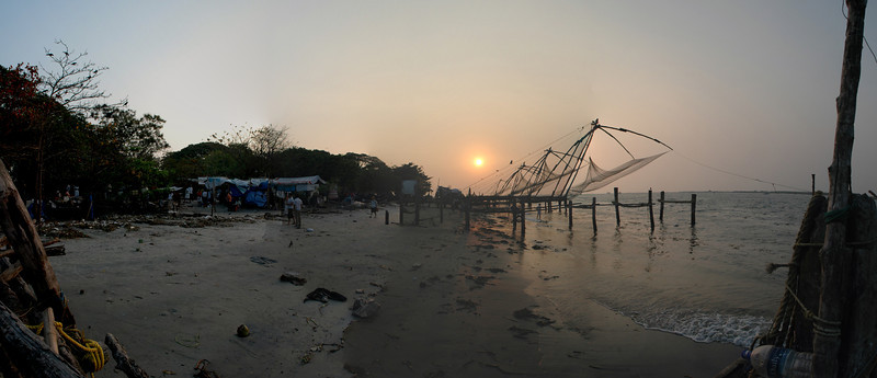 Sun setting behind the Chinese fishing nets in Fort Cochin - 8 photos taken with a D70 (17-55mm F2.8 AFS Lens) stitched in Photoshop CS3