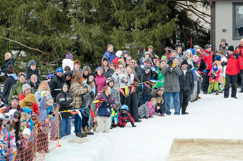 Carnival-Sunday-2014_Snow-Trails_0493.jpg