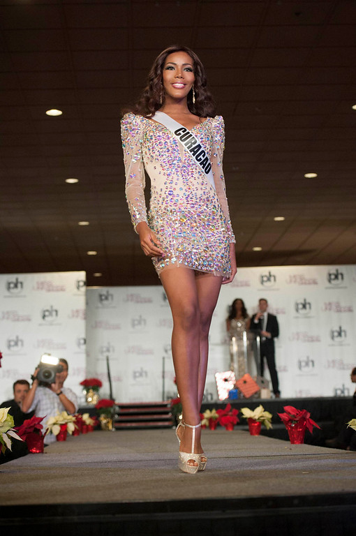 . Miss Curacao 2012 Monifa Jansen walks the runway during the Welcome Event at Bally\'s in Las Vegas, Nevada December 6, 2012. The Miss Universe 2012 competition will be held on December 19. REUTERS/Valerie Macon/Miss Universe Organization L.P/Handout