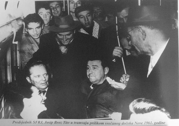Tito u tramvaju 1961.jpg