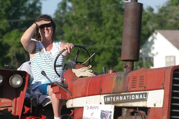 International Tractors 08