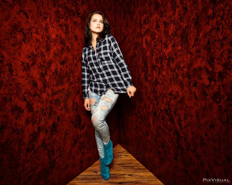 Manon Juni 2015-04.jpg