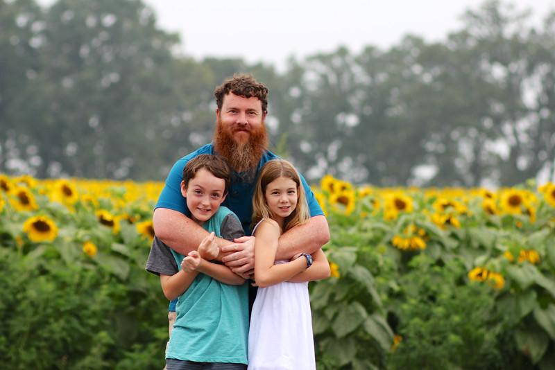 FamilySunflowers_ 158.jpg