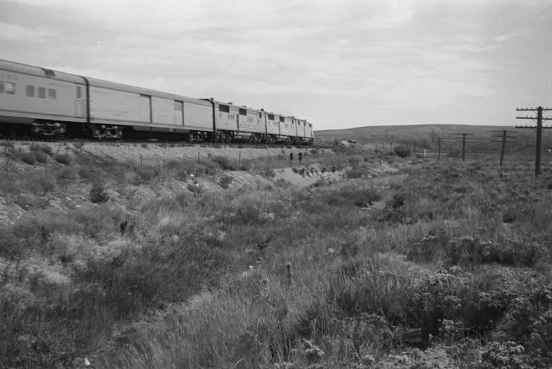 UP_Streamliner_near-Wahsatch_Aug-1946_002_Emil-Albrecht-photo-205-rescan.jpg