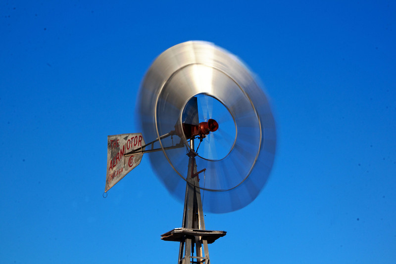 IMG_5626 windmill.jpg