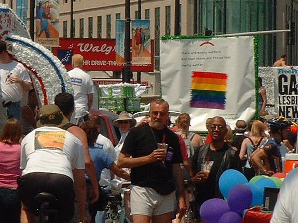 Pride Parade 2001-66.jpg