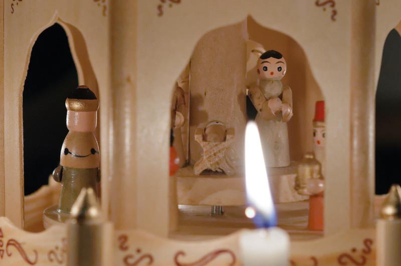 Bernds Geschenk von Helga war eine Weihnachtspyramide!