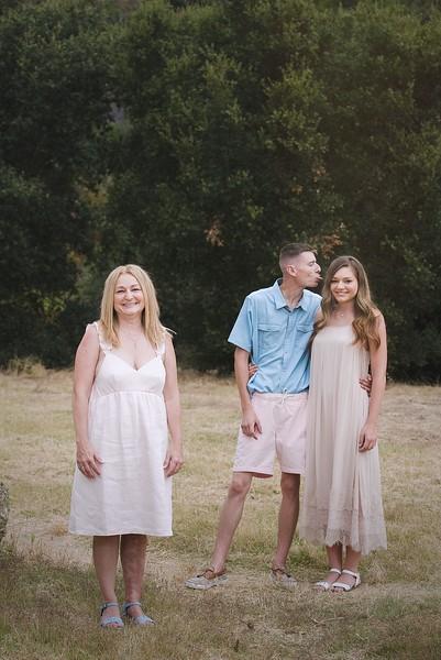Los Leones Canyon Family Portrait -025.jpg