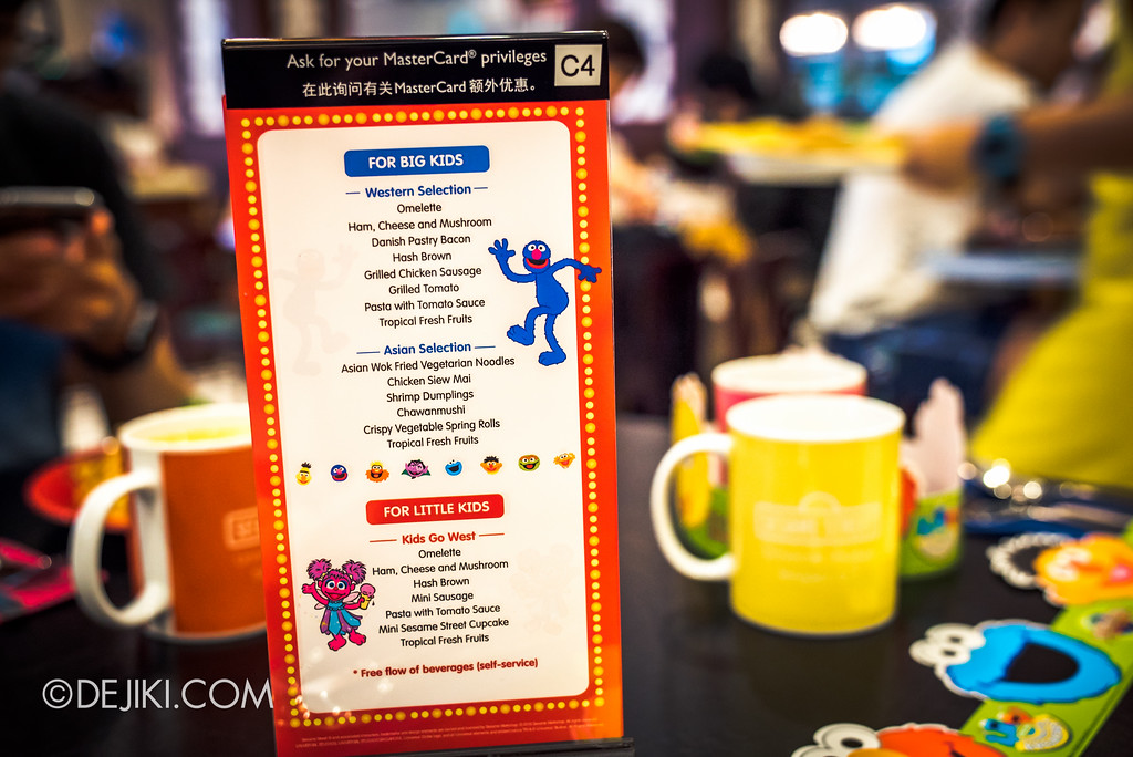 Universal Studios Singapore - Park Update 2017-01 / Sesame Street Character Breakfast - Menu Options