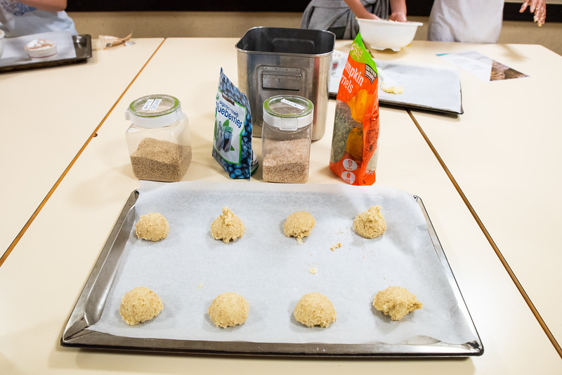 ES After School Activities-Cooking with Dragon Dining-ELP_2279-2018-19.jpg